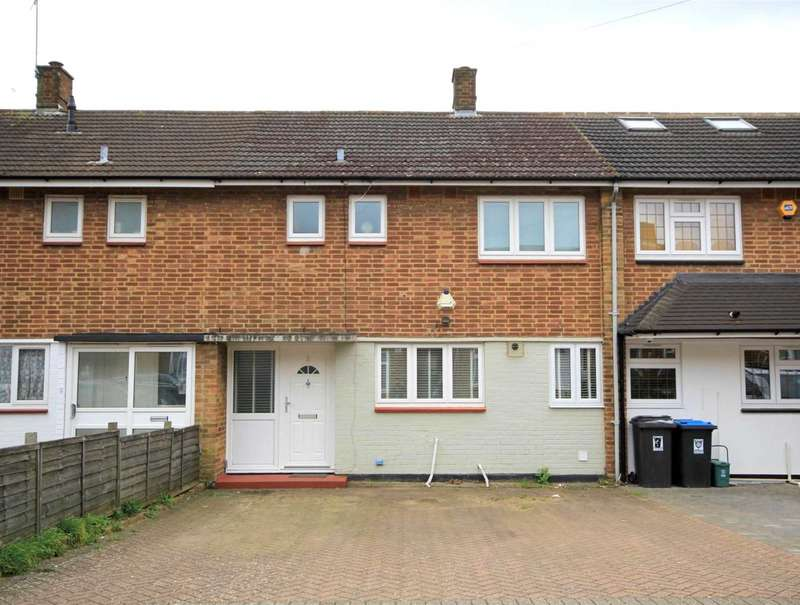 3 Bedrooms House for sale in 3 BED FAMILY HOME with OFF ROAD PARKING in a CUL - DE - SAC LOCATION in HP3.