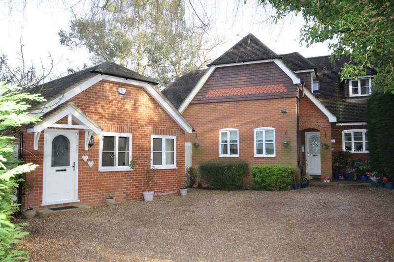 4 Bedrooms Detached House for sale in Redwoods, Brookmans Park, AL9