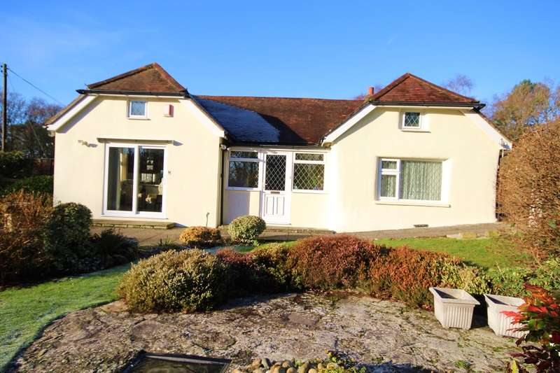 2 Bedrooms Cottage House for sale in St.Catherines Hill Lane, Christchurch, BH23