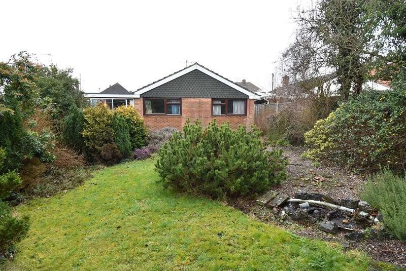 2 Bedrooms Detached Bungalow for sale in Shirley Road, Droitwich