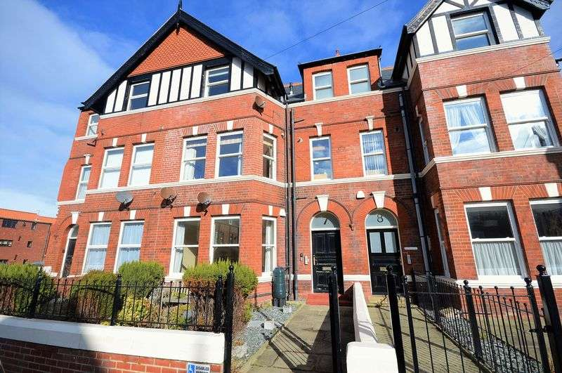 2 Bedrooms Flat for sale in Ladysmith Avenue, Whitby