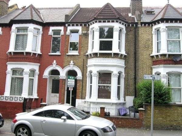2 Bedrooms Flat for sale in WIMBLEDON - WELL PROPORTIONED FIRST (TOP) FLOOR 2 DOUBLE BEDROOM FLAT WITH ENTRYPHONE NR TOWN CENTRE AND STATION