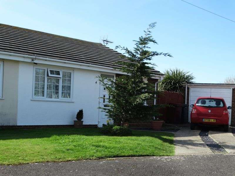 2 Bedrooms Semi Detached Bungalow for sale in Fraser Close, Selsey