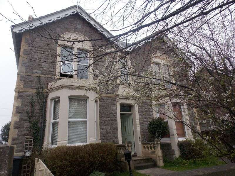 3 Bedrooms Flat for sale in Graham Road, Weston-Super-Mare