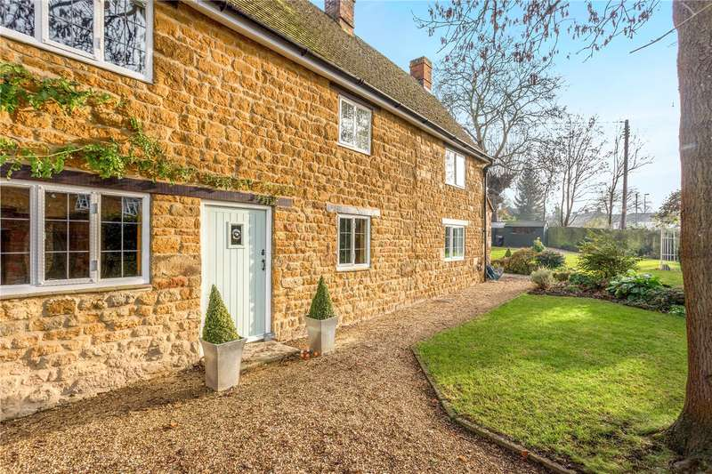 4 Bedrooms Detached House for sale in Church Street, Bloxham, Banbury, Oxfordshire, OX15