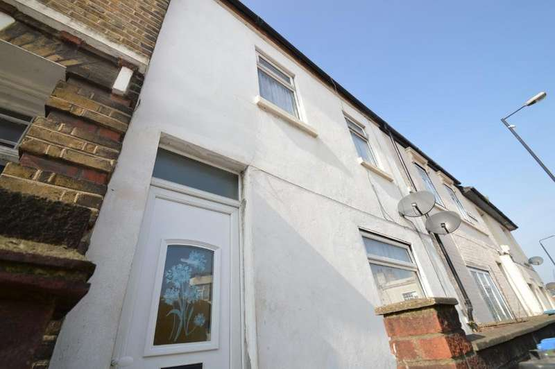 2 Bedrooms Terraced House for sale in Sandy Hill Road, Woolwich, London SE18