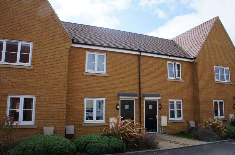 2 Bedrooms Terraced House for sale in Horse Croft, Marston Moretaine