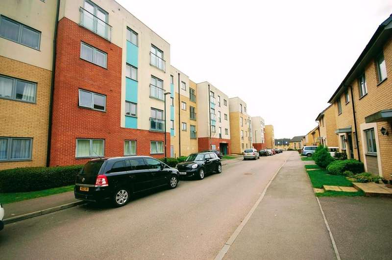 2 Bedrooms Apartment Flat for sale in Admiral Drive, Stevenage