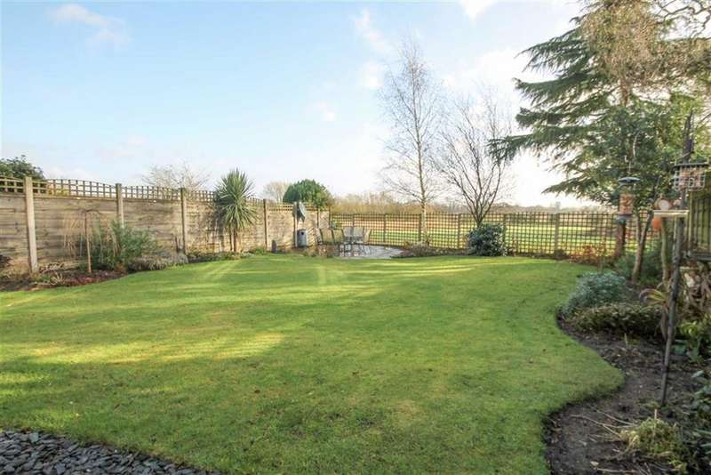 4 Bedrooms Detached House for sale in Niddries Lane, Moulton