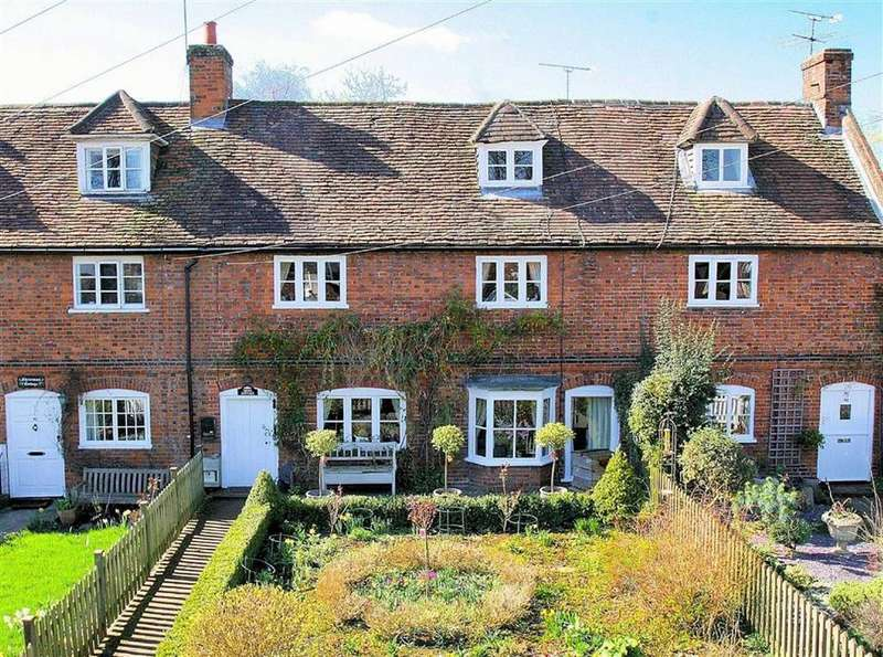 4 Bedrooms Terraced House for sale in St Albans Road, Codicote SG4 8UT