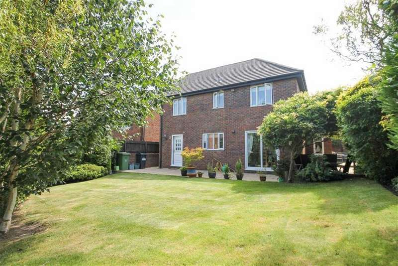 4 Bedrooms Detached House for sale in Registry Close, Kingsmead