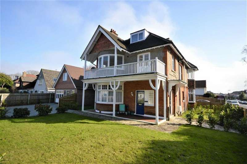 2 Bedrooms Flat for sale in 18 Queens Park Garden, Bournemouth, Dorset, BH8