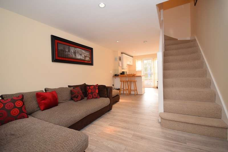 2 Bedrooms End Of Terrace House for sale in Crown Road, Billericay, Essex, CM11