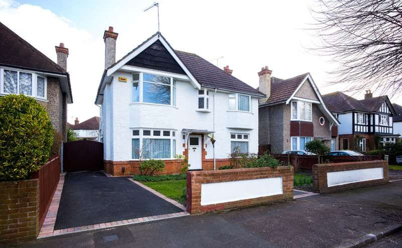 4 Bedrooms Detached House for sale in Watcombe Road, Bournemouth, Dorset, BH6