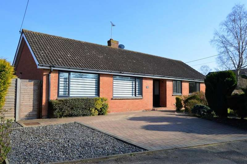 4 Bedrooms Detached Bungalow for sale in Ashford Drive, Kingswood