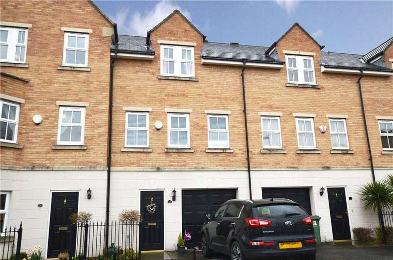 3 Bedrooms Town House for sale in Ashworth Square, Wakefield, West Yorkshire