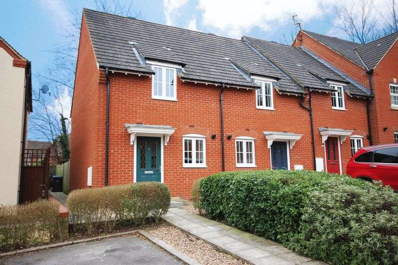 2 Bedrooms Terraced House for sale in BRIDGEWATER CLOSE, HARNHAM, SP2
