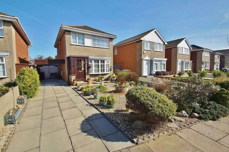 3 Bedrooms Detached House for sale in Bowling Green Close, Southport