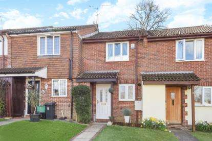 2 Bedrooms Terraced House for sale in Barcombe Close, Orpington