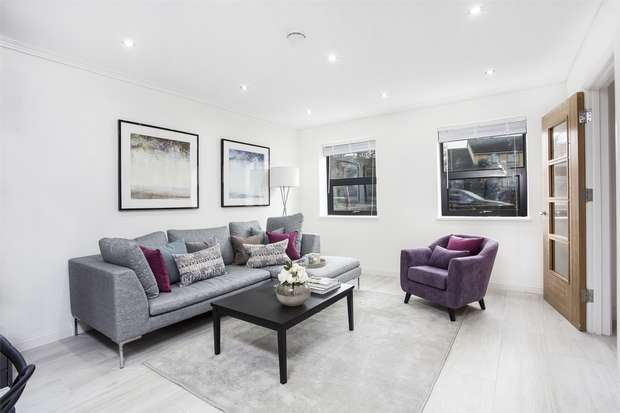 3 Bedrooms Terraced House for sale in Mill Hill Court, Acton