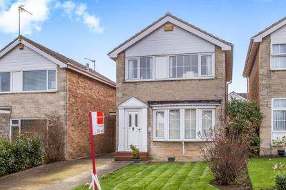 3 Bedrooms Detached House for sale in Farfield Avenue, Knaresborough, North Yorkshire