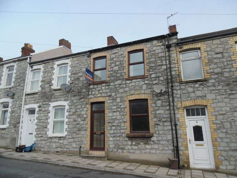 3 Bedrooms Terraced House for sale in Green Street Bridgend CF31 1HF