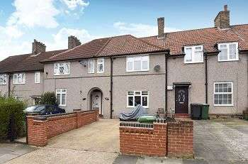 3 Bedrooms Detached House for sale in Downham Way, Bromley, Kent, BR1 5EW