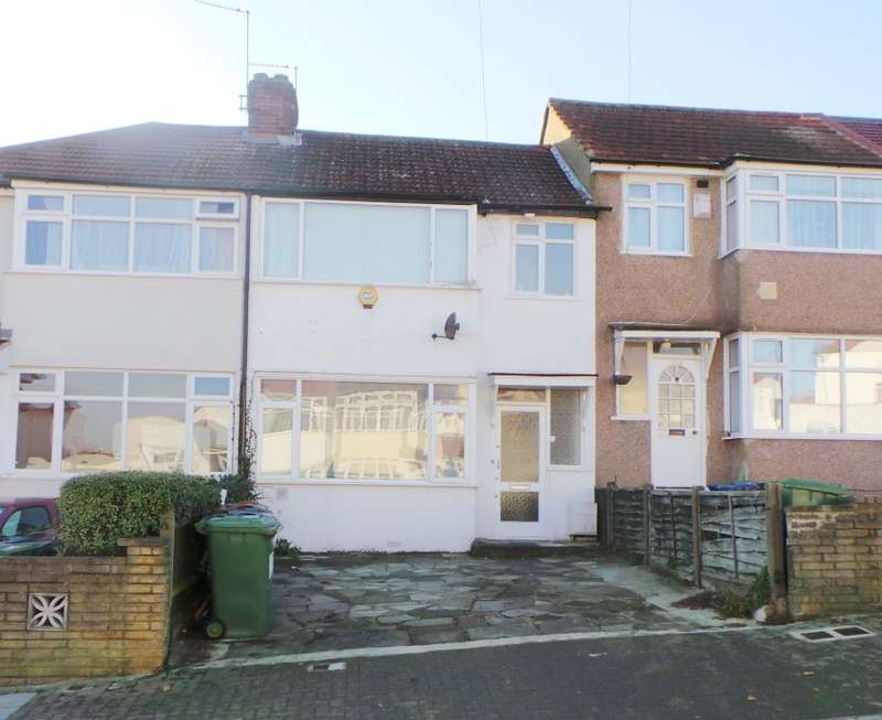 5 Bedrooms Terraced House for sale in Dale Avenue, Edgware, Middlesex, HA8 6AF