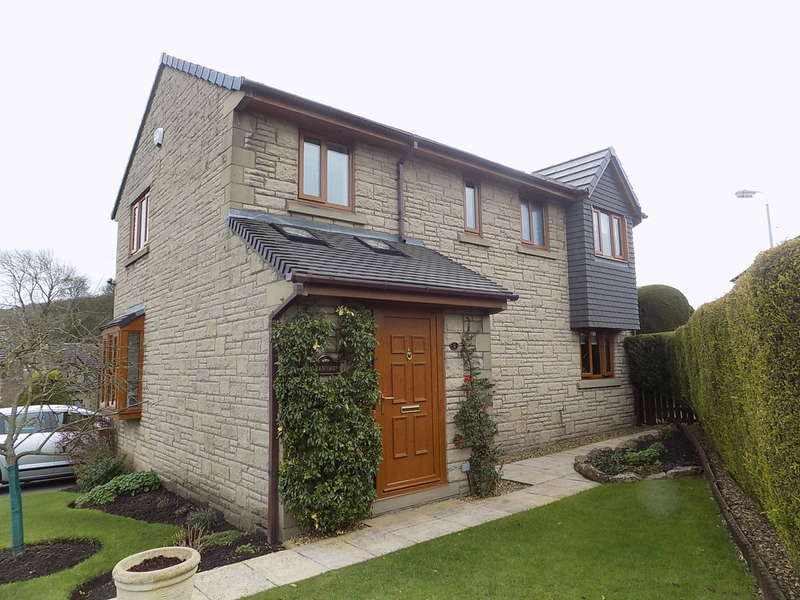 4 Bedrooms Detached House for sale in Lismore Park, Buxton