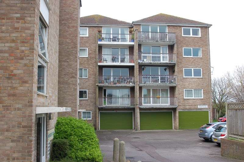 2 Bedrooms Apartment Flat for sale in Gale Moor Avenue, Gosport
