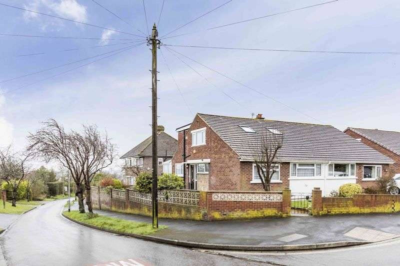 2 Bedrooms Semi Detached Bungalow for sale in Courtmount Grove, East Cosham