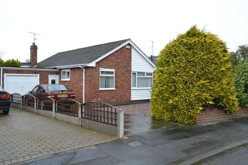 3 Bedrooms Detached Bungalow for sale in Oulton Avenue, Chester
