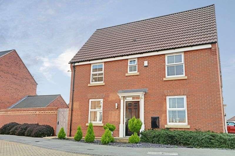 3 Bedrooms Detached House for sale in Ravensbury Park, Kingswood