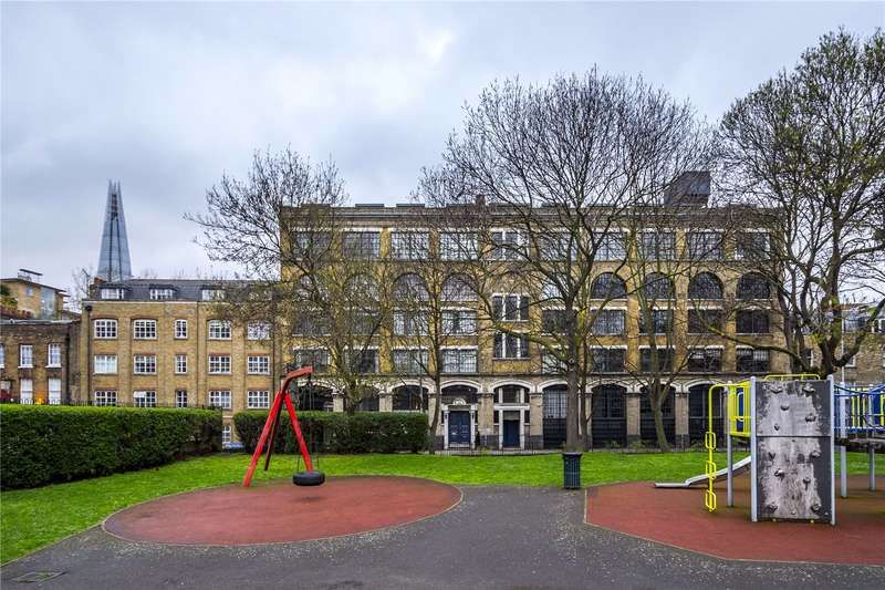 2 Bedrooms Flat for sale in Long Lane, Flat 10 Martingale House, London, SE1
