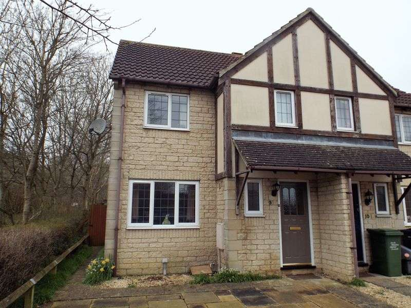 3 Bedrooms Terraced House for sale in Catterick Close, Chippenham