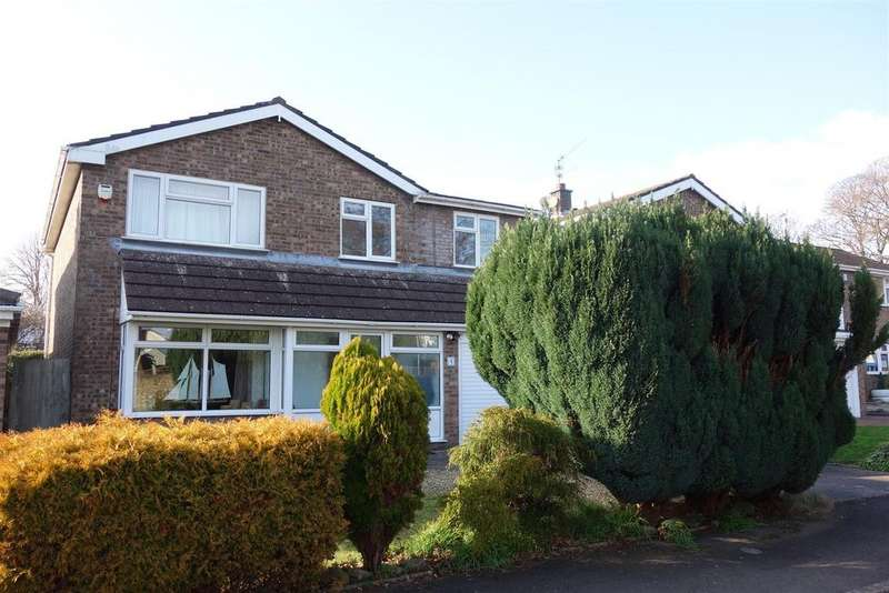 4 Bedrooms Detached House for sale in Rowan Close, The Paddocks, Penarth