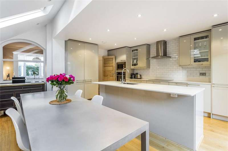 4 Bedrooms Terraced House for sale in Keith Grove, Shepherds Bush, London, W12