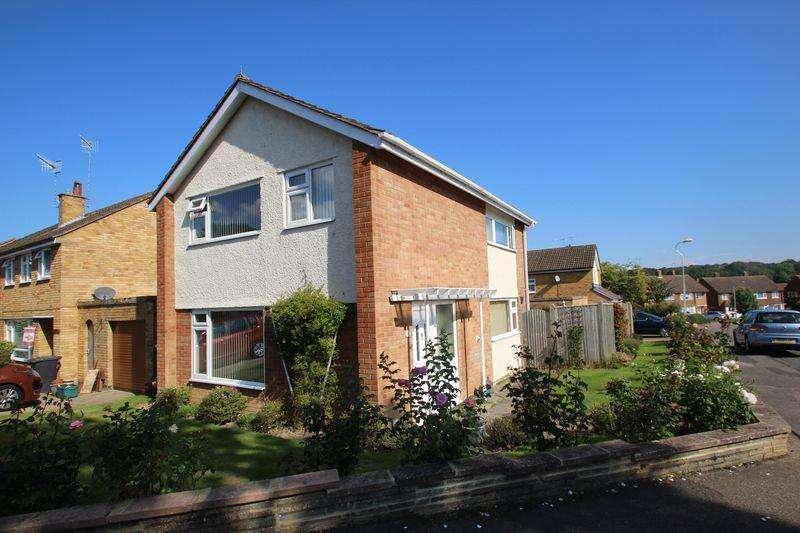 3 Bedrooms Detached House for sale in Silverhurst Drive, Tonbridge