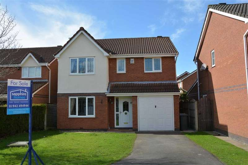 4 Bedrooms Detached House for sale in Caldford Close, Aspull, Wigan, WN2