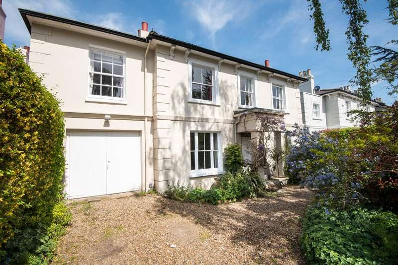 5 Bedrooms Detached House for sale in Belmont Road, Twickenham, TW2