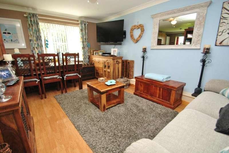 3 Bedrooms Flat for sale in Trevine Meadows, Indian Queens