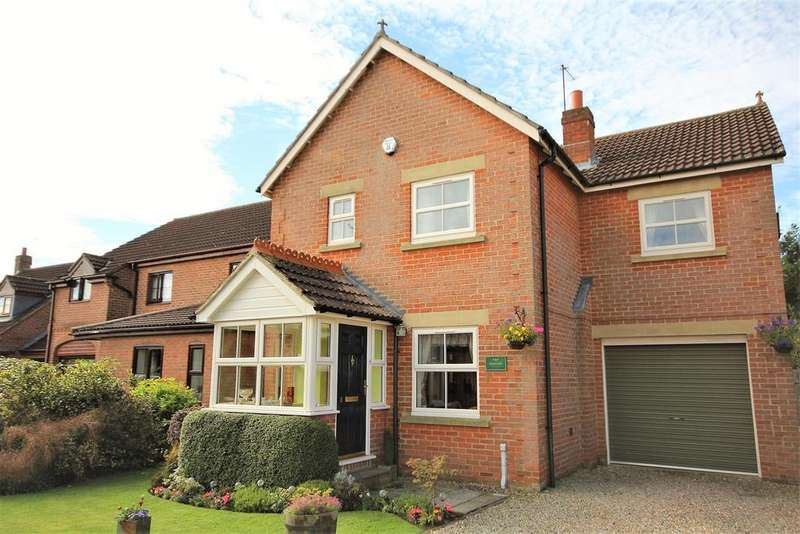 4 Bedrooms Detached House for sale in Sawyers Walk, Dunnington, York, YO19