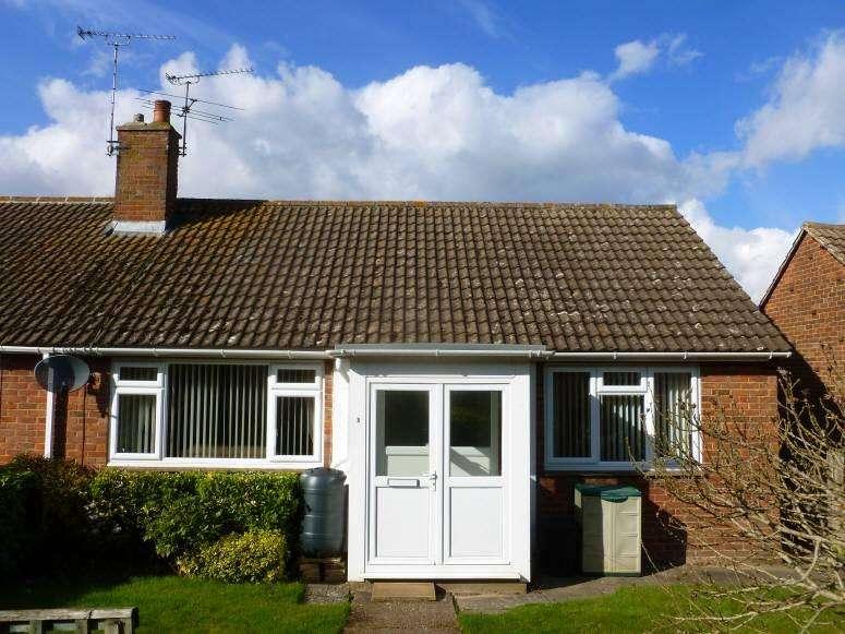 2 Bedrooms Bungalow for sale in Brookside, Cranbrook, Kent, TN17 3BU