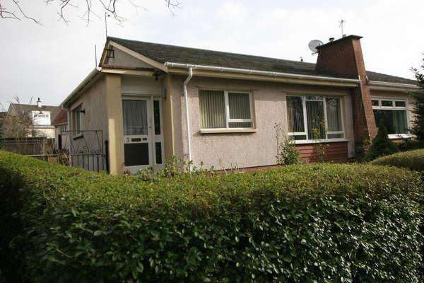 2 Bedrooms Semi Detached Bungalow for sale in 3 Chapelton Way, Largs, KA30 8RF