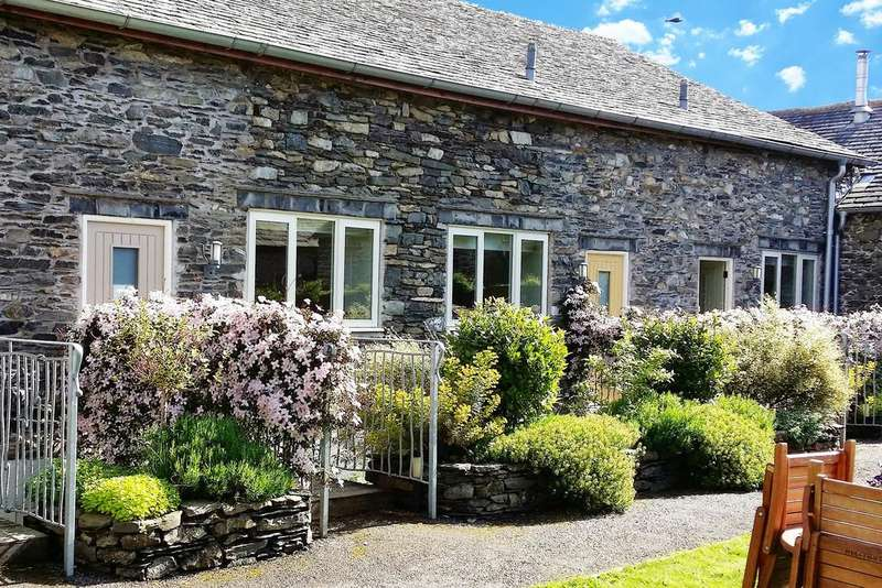 3 Bedrooms Cottage House for sale in Willow Cottage, 1 Heaning Barn Cottages, Windermere, Cumbria, LA23 1JW