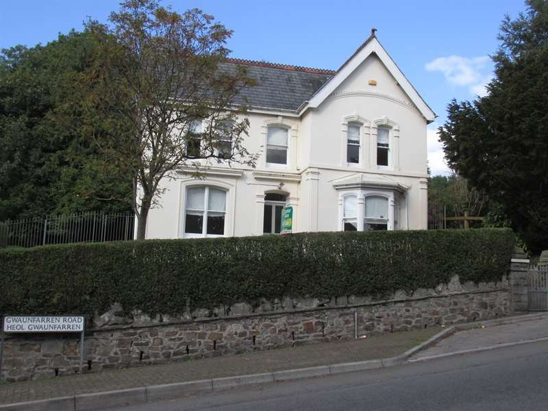 3 Bedrooms Detached House for sale in Gwaunfarren Road, Gwaunfarren, Merthyr Tydfil
