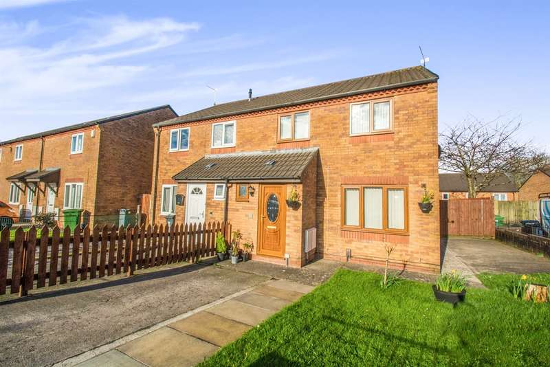 3 Bedrooms Semi Detached House for sale in Centurion Close, Ely, Cardiff