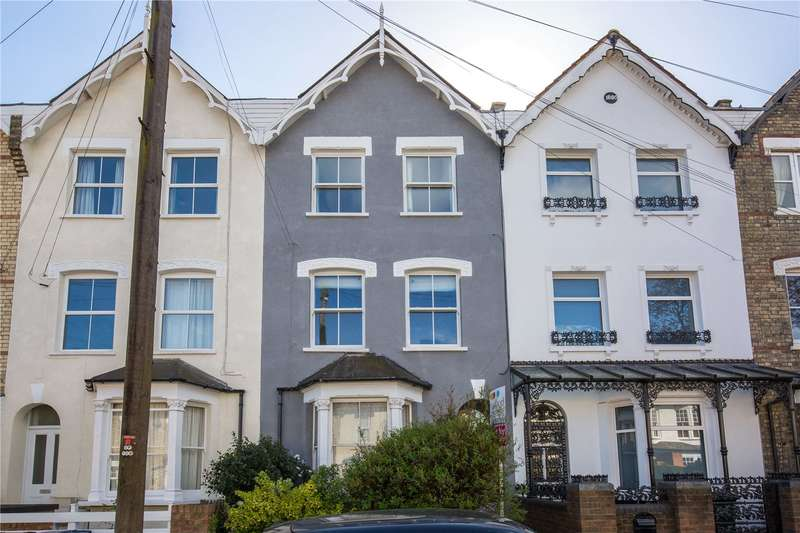 2 Bedrooms Apartment Flat for sale in Holly Park Road, Friern Barnet, N11