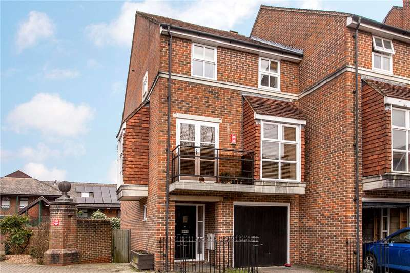 3 Bedrooms Terraced House for sale in Marston Gate, Winchester, Hampshire, SO23