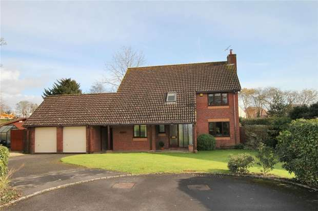 4 Bedrooms Detached House for sale in 4 Ravenscroft Gardens, Trowbridge, Wiltshire